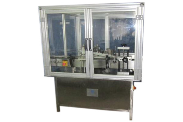 Labeling Machine With Encloser